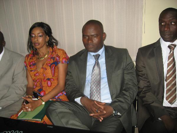 http://www.tamtamguinee.com/images/rub24/calb5139KPC_JPG.JPG